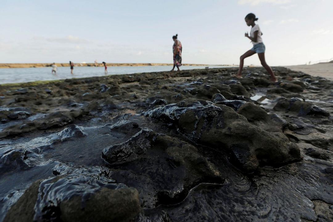 Maia vai decidir sobre CPI do vazamento de óleo até segunda-feira