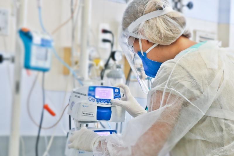 As condições de trabalho dos enfermeiros e os riscos enfrentados na pandemia