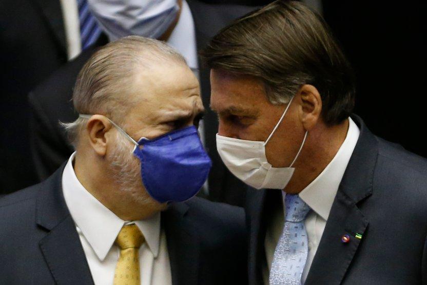 Abertura de inquérito contra Bolsonaro coloca CPI da Covid em situação delicada