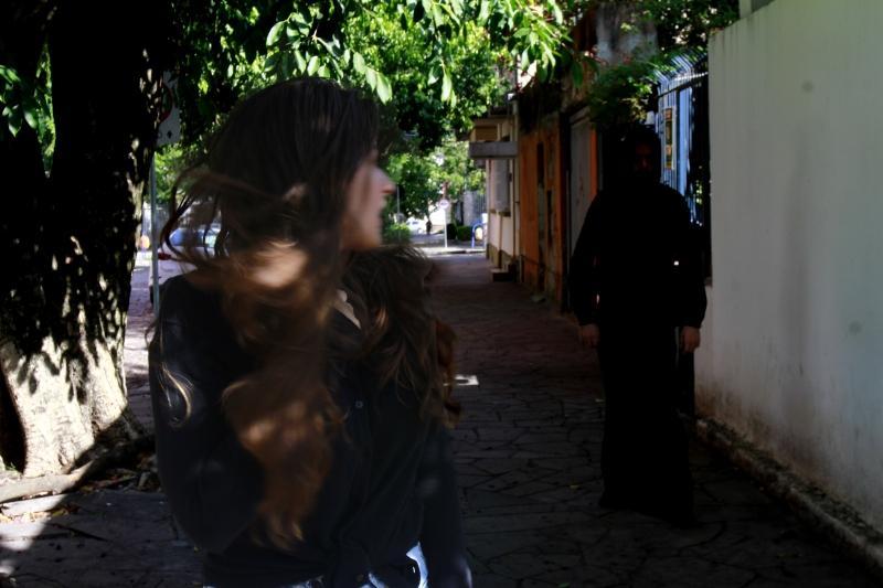 O medo à espreita: falta de legislação específica para stalking