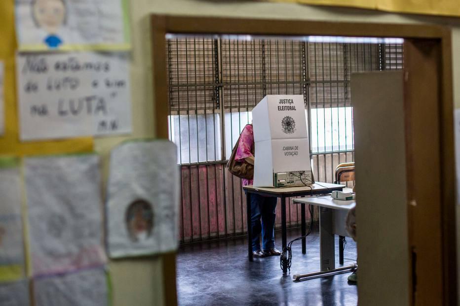Senado derruba adiamento de lei de dados e preocupa campanhas