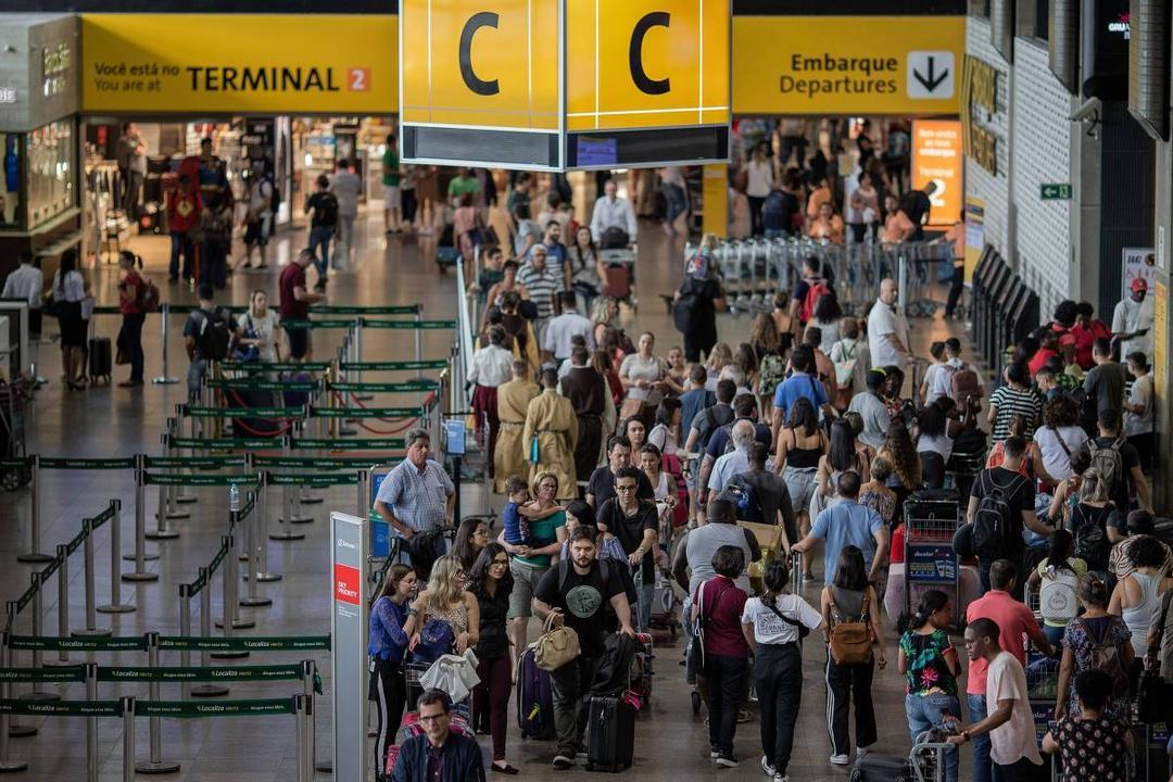 Guarulhos quer cobrar dos aviões taxa por barulho e poluição