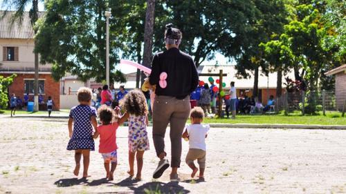 Guarda compartilhada contribui para participação igualitária de ambos os pais