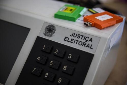 Só Brasil, Bangladesh e Butão usam urna eletrônica sem comprovante do voto impresso