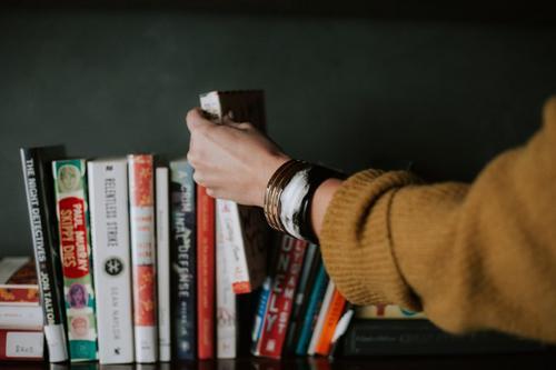 A nova CBS e a tributação dos livros: benefício para quem?