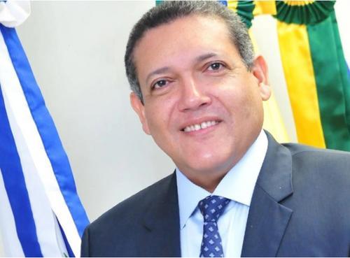 Bolsonaro anuncia Kássio Nunes para o STF, para crítica de aliados que pediam alguém mais conservador