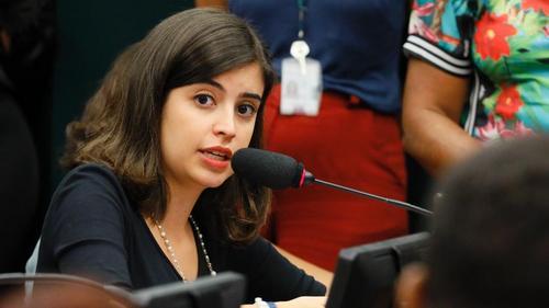 Tabata Amaral entra com ação na Justiça contra nomeação de Ramagem na PF