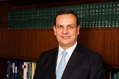 Eduardo Maneira toma posse como associado do IASP