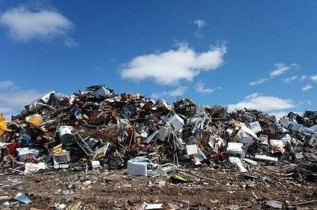 Projeto prevê redução de imposto a empresas que usarem recicláveis