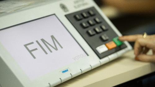 STF julga inconstitucional o voto impresso, bandeira histórica de Bolsonaro