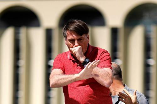 Veja possíveis crimes cometidos por Bolsonaro em ato pró-golpe; leia discurso comentado