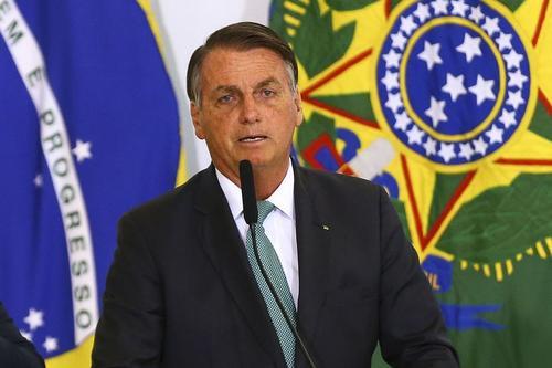 Denúncia contra Bolsonaro em Haia amplia desgaste